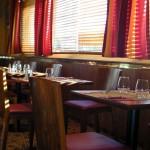 CHAISE ET TABLE POUR SALLE RESTAURATION