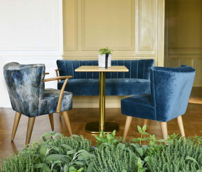 La gamme Brooklyn, avec son canapé, chaise et fauteuil sur-mesure, idéals pour vos restaurants et brasseries.